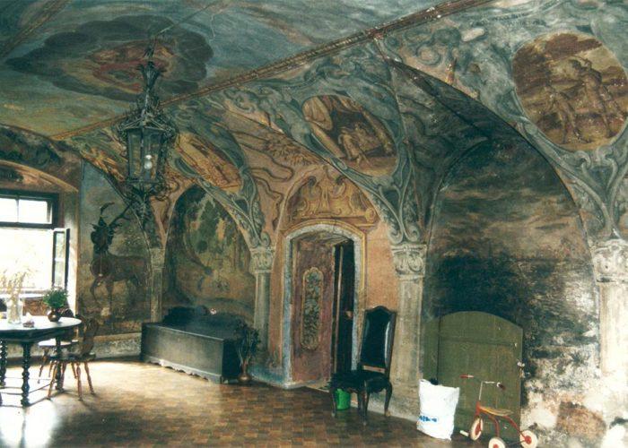 Hall de entrada do primeiro andar, pintado com afrescos representando os quatro elementos (terra, água, fogo e ar) e passagens bíblicas.