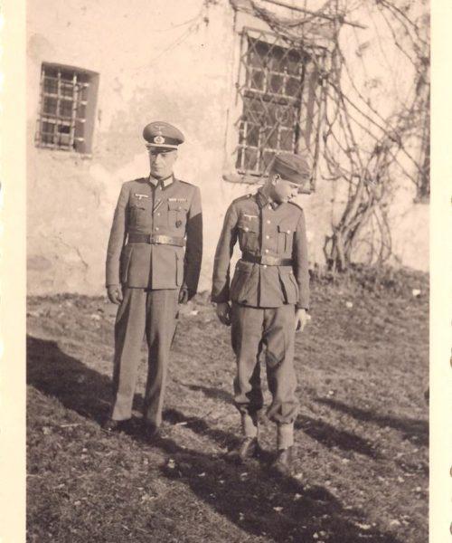Sigmund pai e seu filho Wolfgang numa das últimas visitas à família. Ele morreu em seguida, em dezembro de 1943.