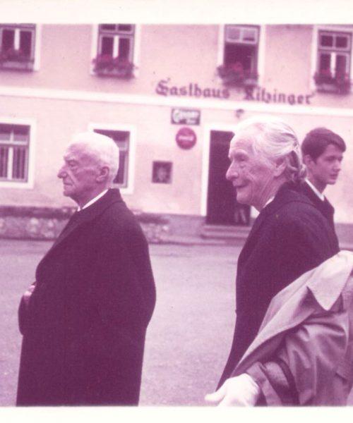 Pais de Ana Primavesi em visita ao vilarejo de Judenburg.