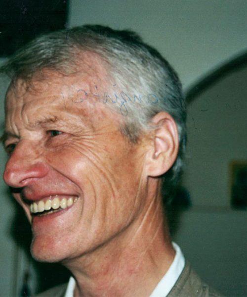 Gerhard, o caçula da família. Ele abriu mão de estudar fora para cuidar dos pais e morou sua vida toda em Pichlhofen, que agora pertence à suas filhas.