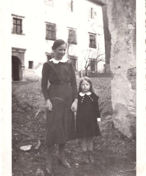 """Ana e Clara, mais conhecida como Putzi, que quer dizer """"pequena"""" em alemão."""