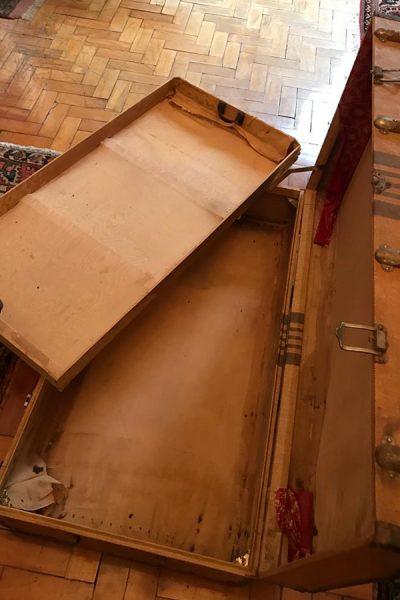Mala usada pelos Primavesi ao chegar ao Brasil. Era tão grande que precisava ser carregada por duas pessoas